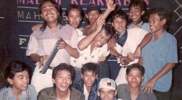 FOTO : Malam Keakraban Sastra Sejarah Unidip di Tahun 1991