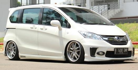 MOBIL SEKEN : Harga Mobil Bekas Honda Freed 2012, Facelift Hanya Rp 100 Jutaan